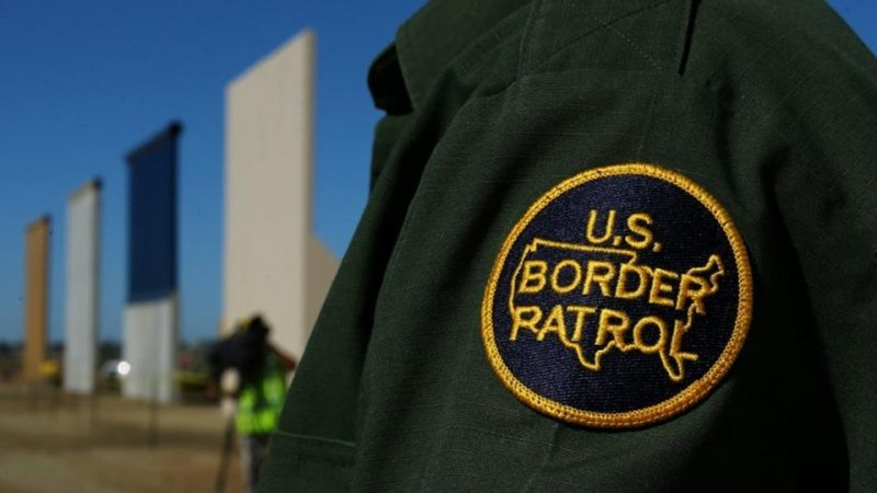 prototypes-completion-patrol-officer-stands-border-president_233d2390-baed-11e7-83cc-689513d74e1b