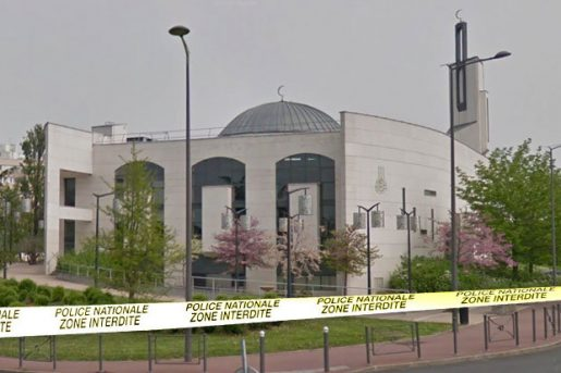 mosque-attack-paris-france-creteil-vehicle-car-993825
